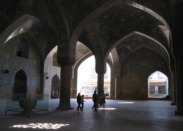 a spasso per le strade di Esfahan