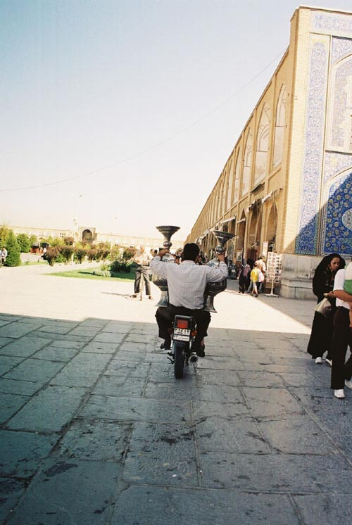 iran-in-moto-8-3b