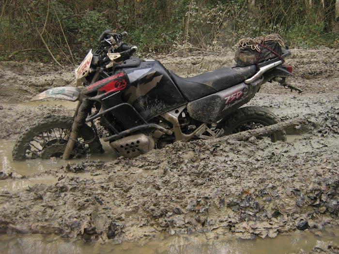 la Canaro Racing nel fango