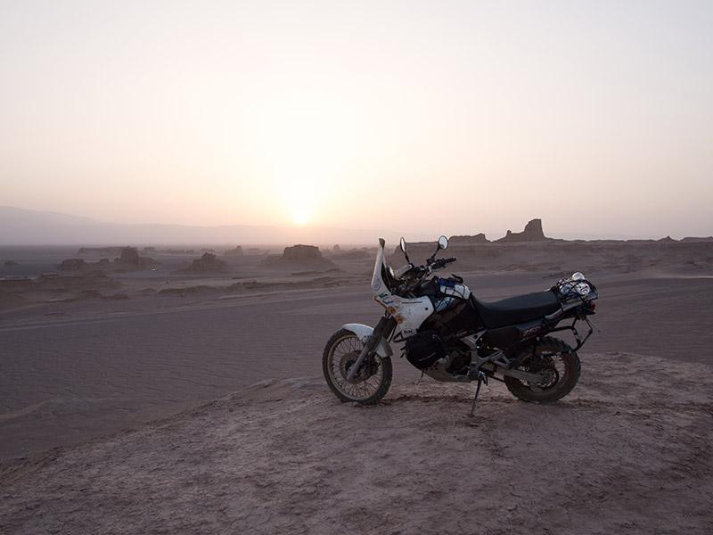 Dasht-e Lut è il grande deserto salato che si trova a sud-est di Kerman