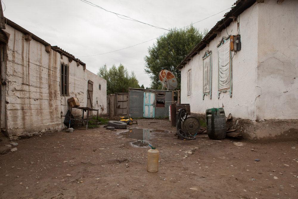 benzinaio kirghizistan