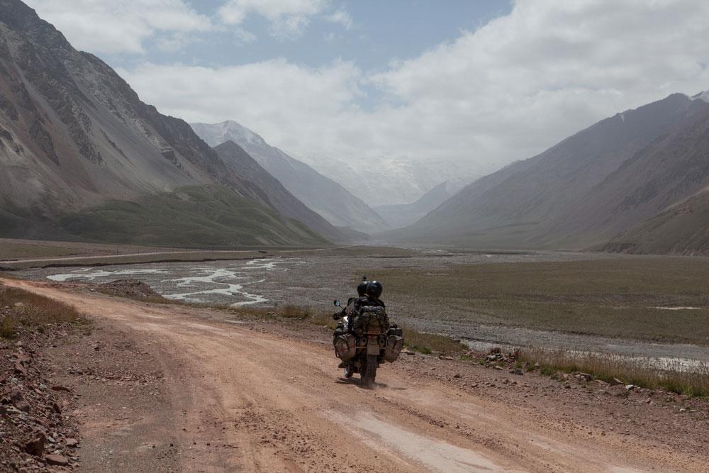 Il Kizil Art Pass separa il Kirjistan dal Tajikistan