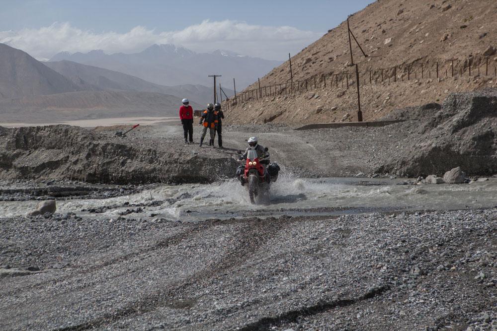 Wakhan-4-puntata-4-Kizil-Art-Pass-a-4336-metri-di-altezza