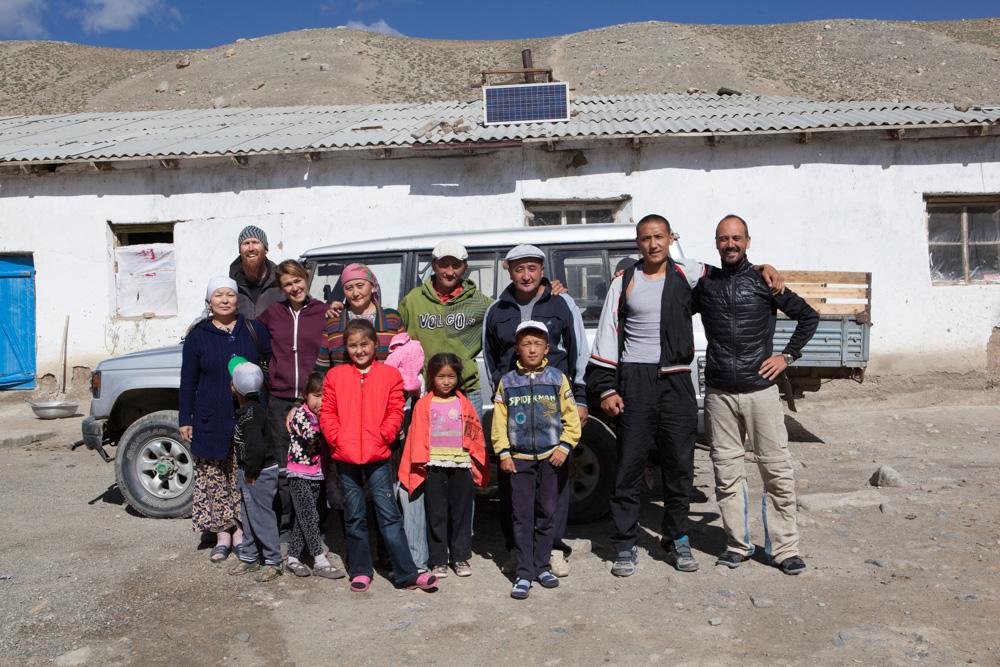 famiglia che ci ha aiutato in tajikistan