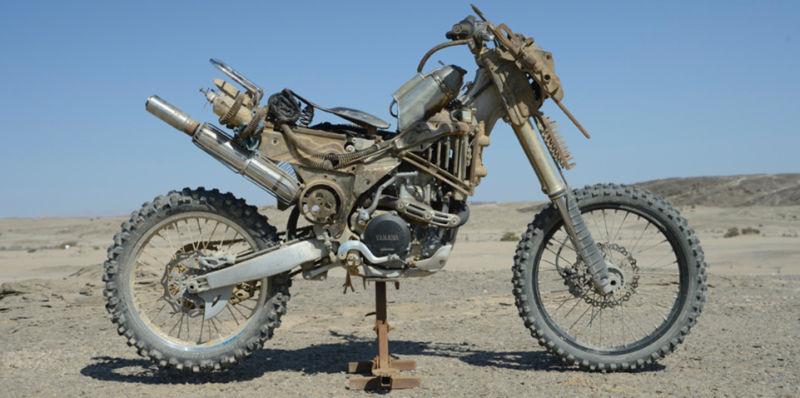 Sporcoendurista moto del film Mad Max Fury Road 1