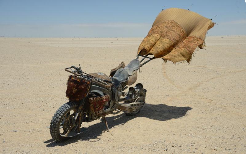 Sporcoendurista moto del film Mad Max Fury Road 10