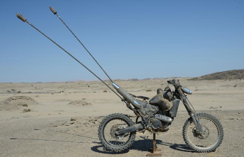 Sporcoendurista moto del film Mad Max Fury Road 8