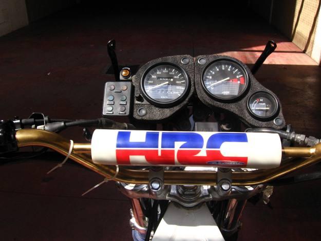 come restaurare una moto africa twin rd04 14