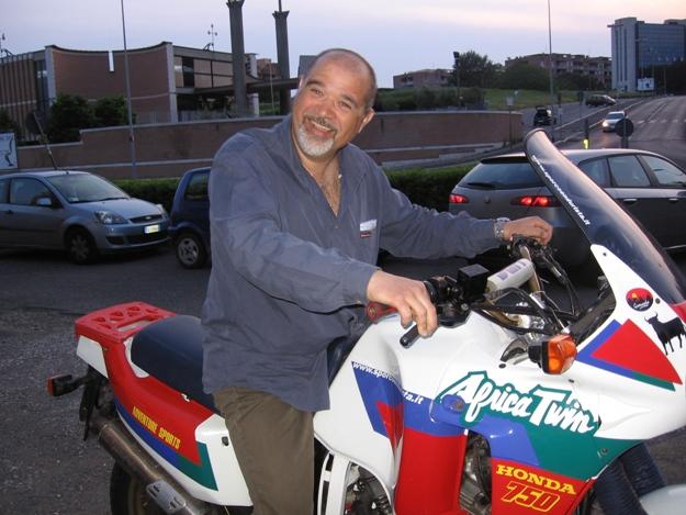 come restaurare una moto africa twin rd04 19
