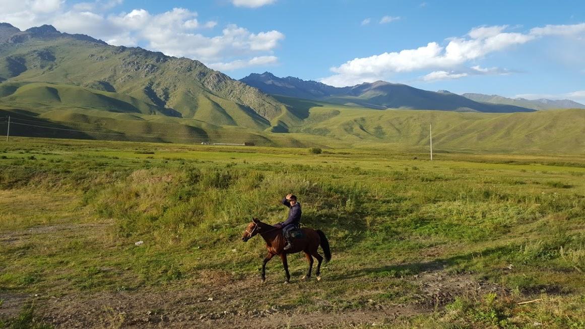 kyrgyzstan-in-moto-9