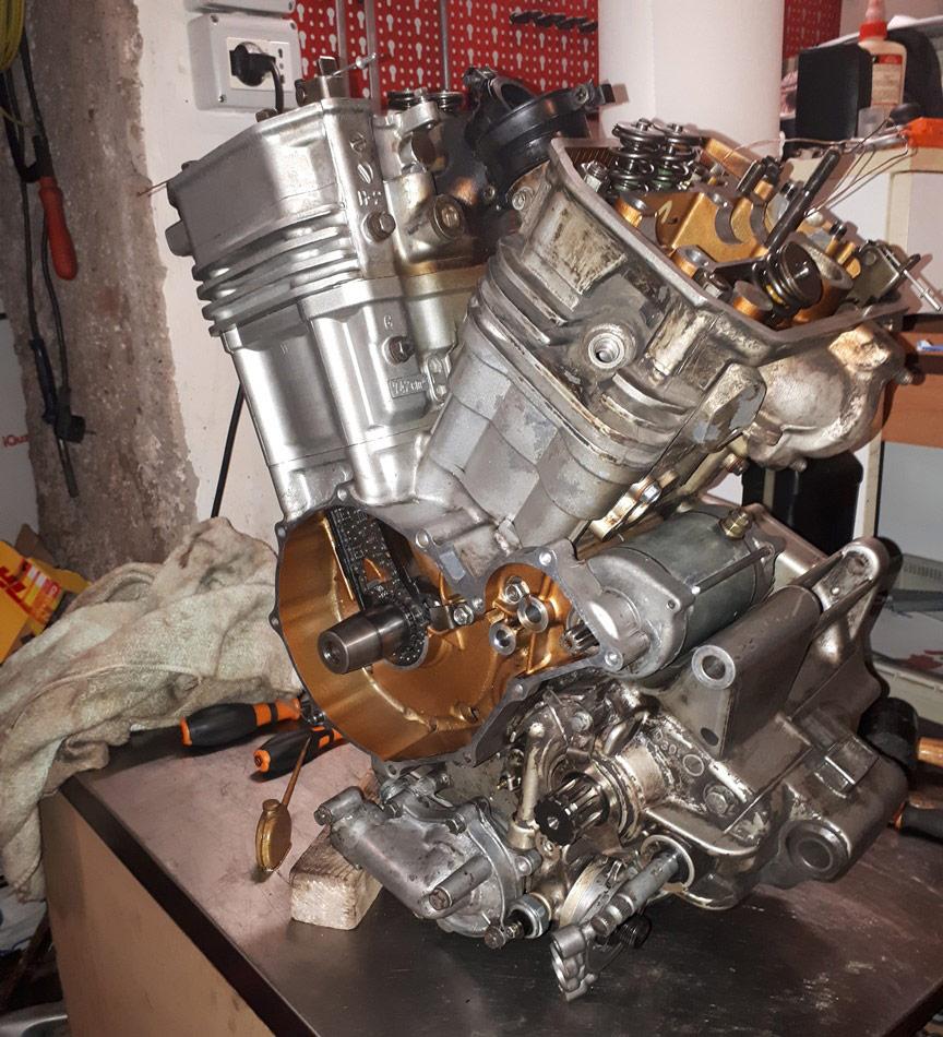 come revisionare motore Africa Twin