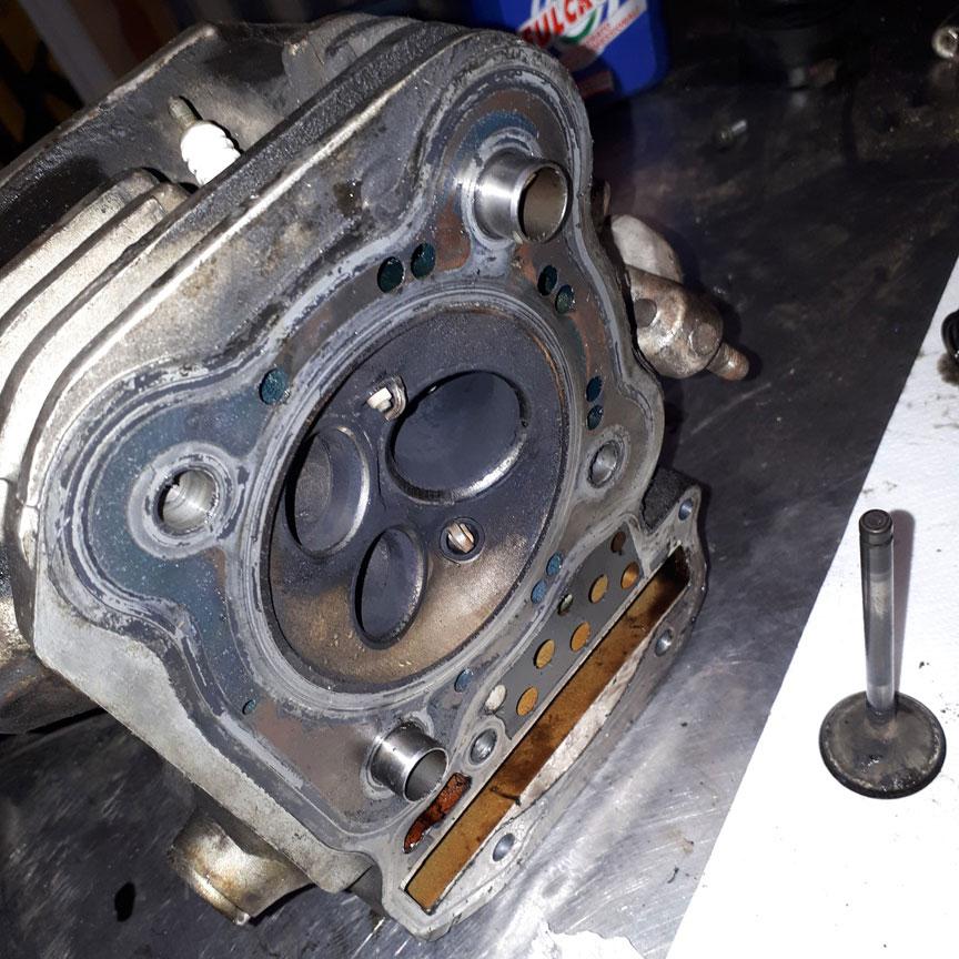 testate e valvole motore Africa Twin 750